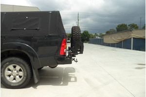 MCC WHEEL CARRIER AND SINGLE JERRY CAN - TOYOTA HILUX  (KUN25, KUN26) 2005-2011