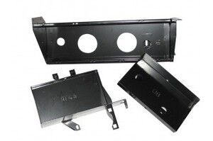 OUTBACK ACCESSORIES' BATTERY TRAY TOYOTA L/CRUISER 100 SERIES IFS TURBO DIESEL - FOR 3RD BATTERY