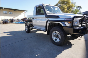 MAX STEPS & RAILS PACKAGE - TOYOTA LC70 SERIES - DUAL CAB NON FLARED