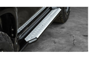 PIAK Racer Side Steps with Silver Anodized Checker Plate to suit Mitsubishi Pajero Sport QE 2016+